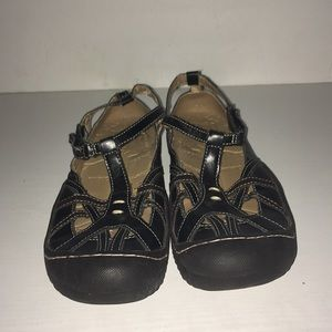 J-41 Shoes size 7. Good condition.